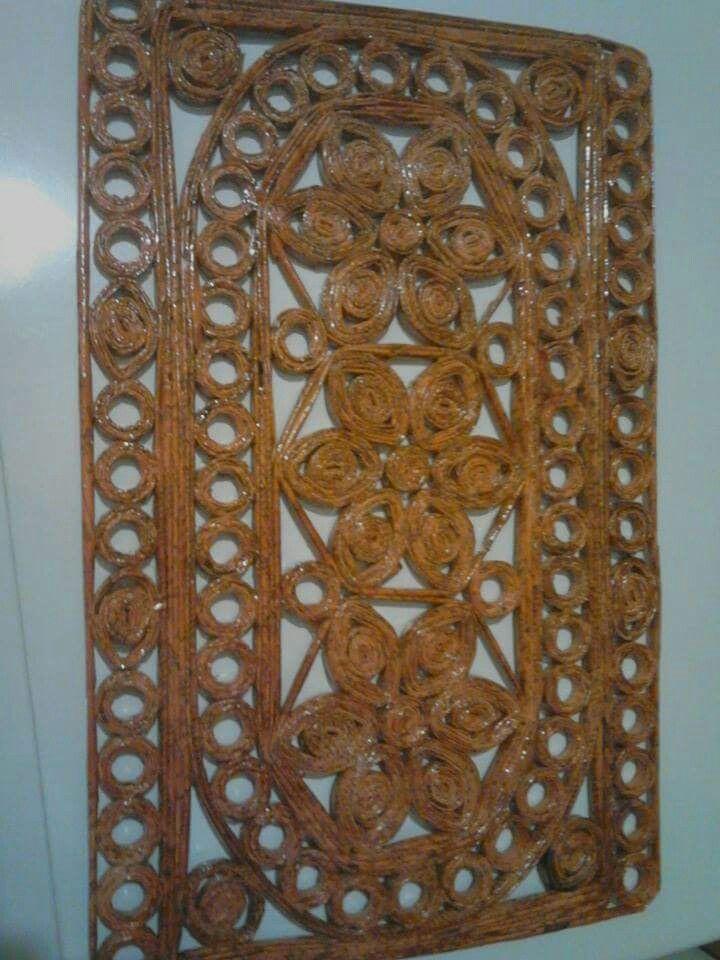 pin von fantasmaniaxx auf papierkunst paper art pinterest basteln mit zeitungspapier. Black Bedroom Furniture Sets. Home Design Ideas