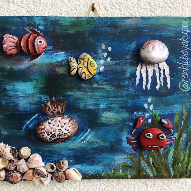 Deniz Alti Hareketli Yengec Baska Arkadaslar Bulmus Kendine Siparis Icin Dm Sea Underwater Ocean Seacreatures Fish Cra Fish Art Beach Art Stone Art