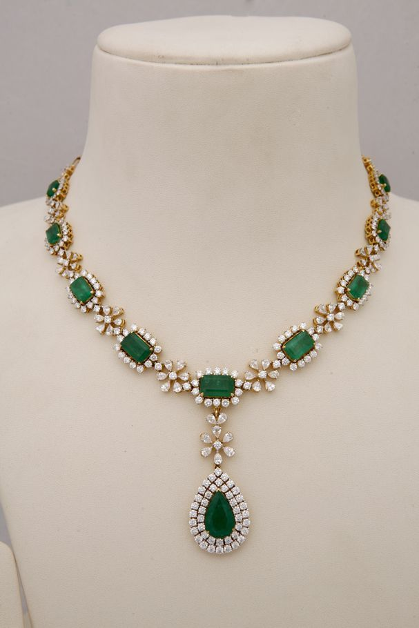 Emerald Necklaces Indian Jewellery And Clothing Diamond Necklace Collection From Tibarumals Gems Jewellers