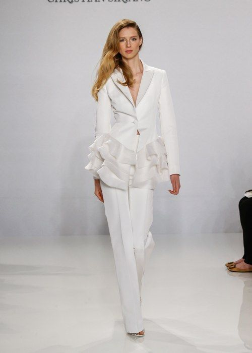 6 Bridal Pantsuits Perfect for Your Wedding Day #whitepantsuit White Pantsuits for Your Wedding Day #whitepantsuit