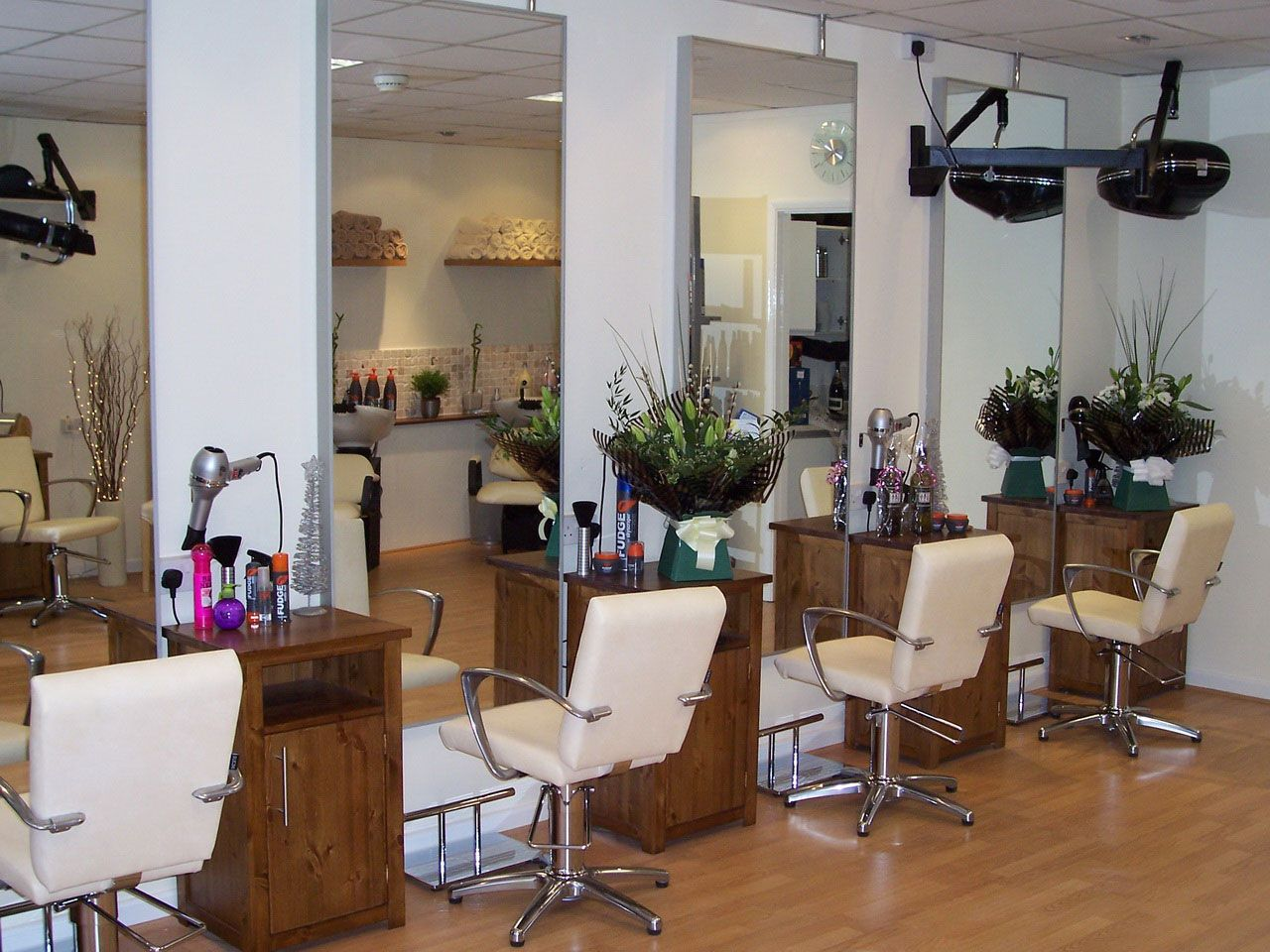 Superior Home Hair Salon Decorating Ideas Part - 11: Modern-hair-salons-with-white-basic-color.jpg (. Small Salon DesignsHair ...