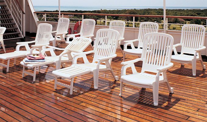 Grosfillex Chaise Lounges Offer A Range Of Highly Valuable Features Including Resistance To Stains Chlorine