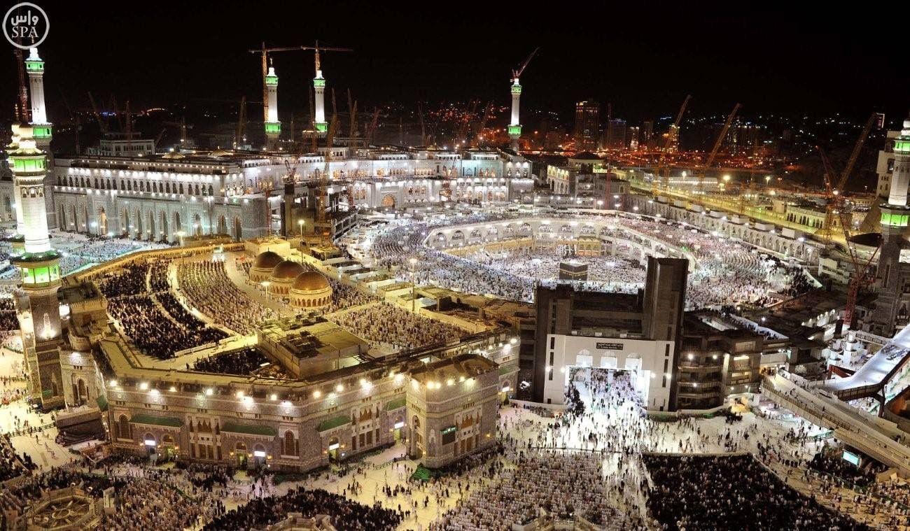 الكعبة المشرفة صور ترصد ليلة 27 رمضان في الحرم المكي من على ارتفاع 2500 قدم Mosque Grand Mosque Islamic Heritage