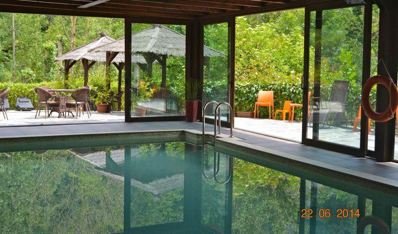 La b rcena en potes cantabria una piscina cubierta a 30 for Casa rural con piscina cubierta