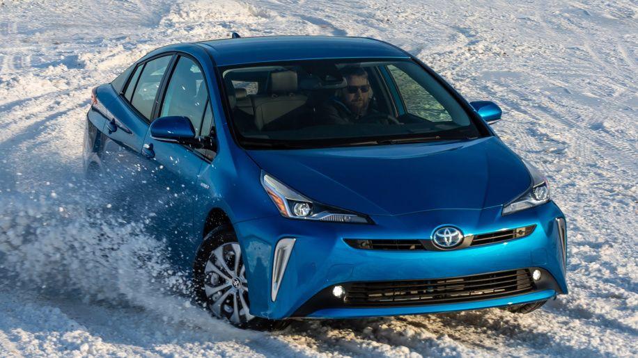 Review 2019 Toyota Prius Awd E Toyota Prius Toyota Honda Insight