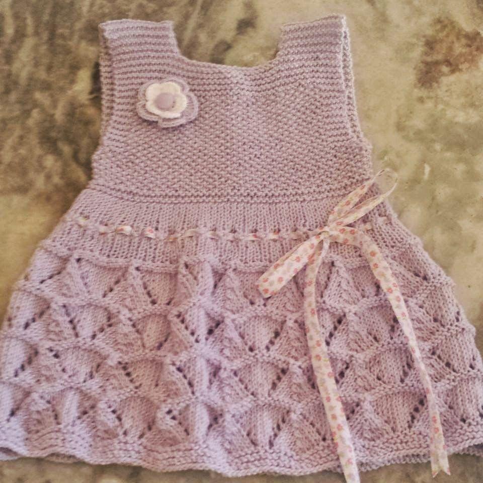 vestidos de tricô para bebe | minhas linhas | Pinterest
