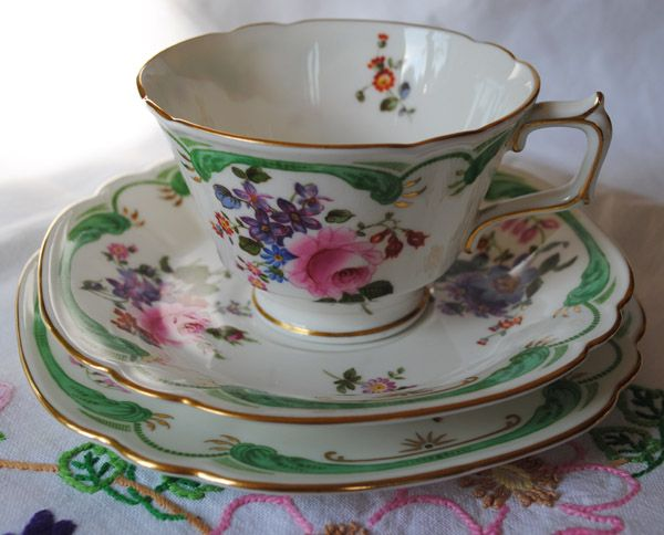 Royal Crown Derby Bone China Teacup and Saucer, pattern not found