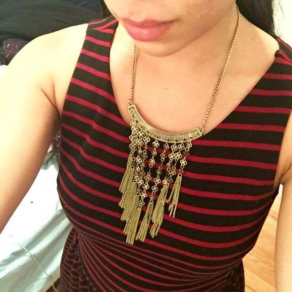 Brandy Melville Statement Necklace Pre loved. Perfect condition. Brandy Melville Jewelry Necklaces