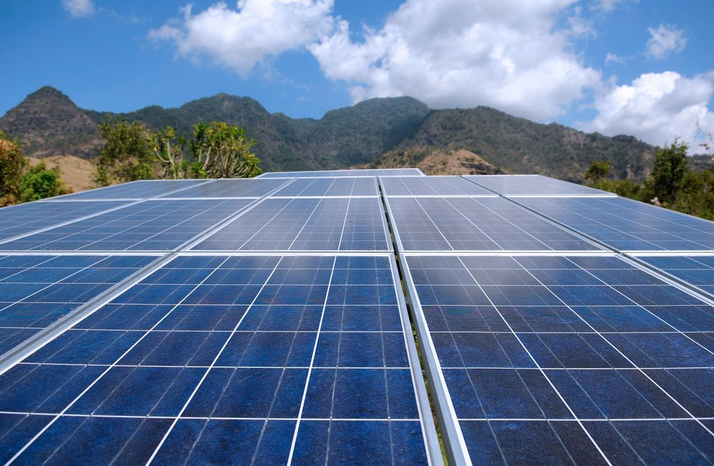 Solar Power Could Produce Up 10 Percent Of America S Energy By 2030 Http Www Hngn Com Articles 5044 Solar Energy Panels Green Energy Solar Solar Energy Facts