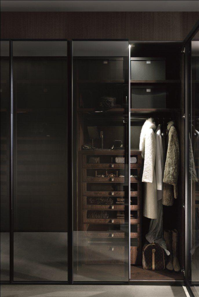 Interior de armario con puertas de cristal de gunni trentino armarios y vestidores de lujo - Armario con puertas de cristal ...