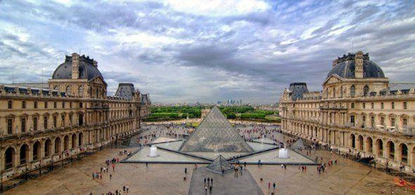 El arte esta de fiesta, uno de los recintos más importantes para la apreciación y conservación de obras cumple 223 años de existencia, se trata del Museo de Louvre. La colección de éste comprende 300 mil obras, pero sólo están exhibidas 35 mil. ¿Quieres saber más? ¡Te traemos 10 datos de este museo que te sorprenderán!