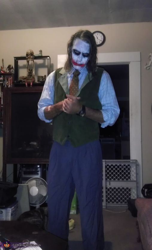 heath ledger joker the dark knight 2012 halloween costume contest