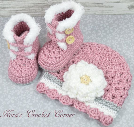 Crochet Baby Girl Fur Trim Boots and Hat with Flower - 321 | gorros ...