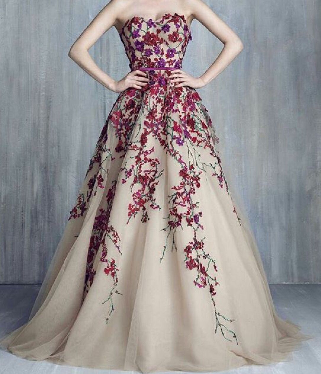 Pin by rasen saifi on Gowns and dresses | Pinterest | Robins and Gowns
