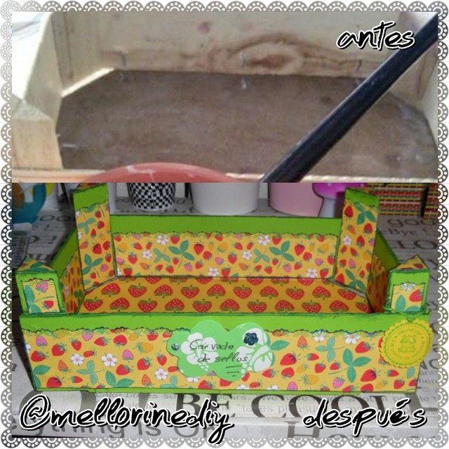 Por fin os la puedo enseñar. La caja antes y después. A mí me encanta el resultado porque el papel que elegí me encanta, es muy muy colorido y creo que este troquelado de bordes le queda genial. Tiene colores muy veraniegos y que llaman mucho la atención.  #caja #box #madera #wooden #antes #before #después #after #reciclar #recycling #papelería #stationery #manualidades #crafts #materiales #stuff #hechoamano #handmade #hechoencasa #homemade #hazlotumismo #doityourself #DIY #bonito #cute…