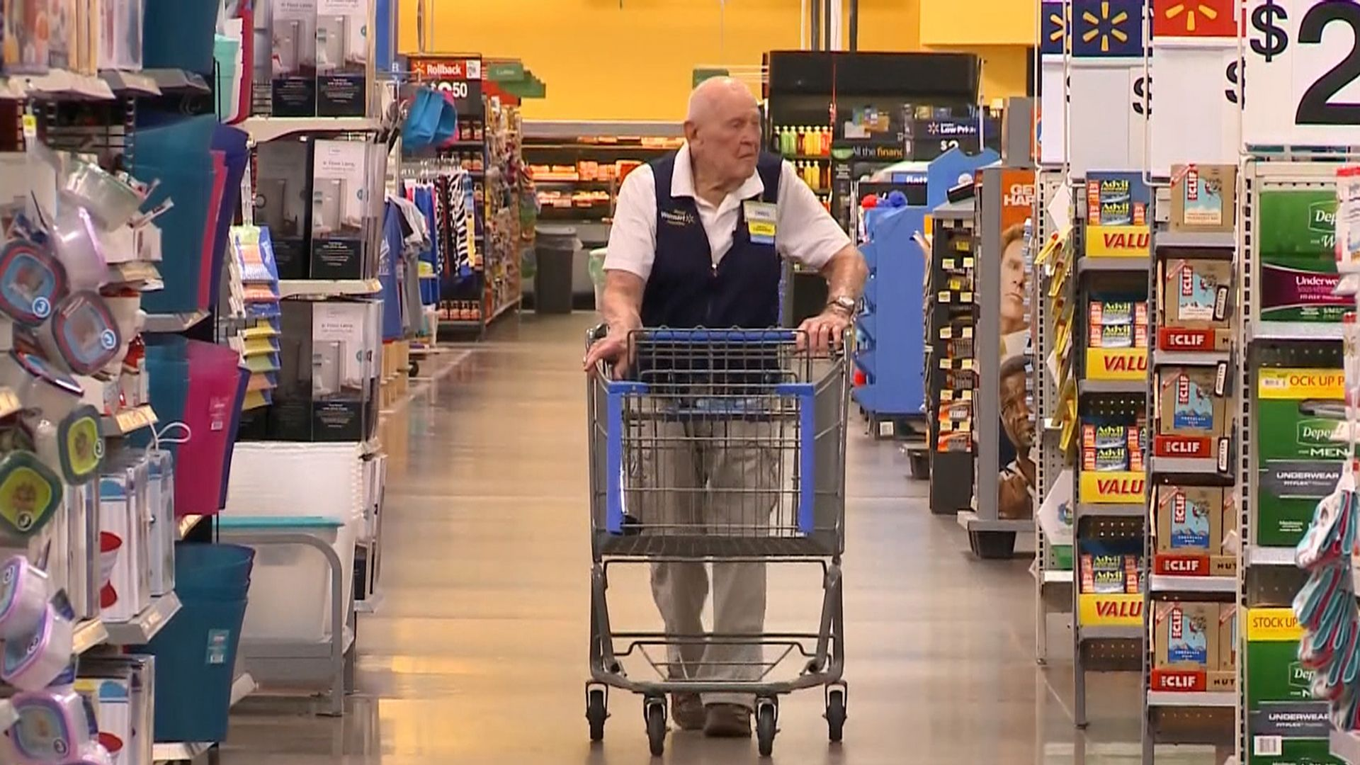 Wal-Mart's oldest employee celebrates 103rd birthday with special party