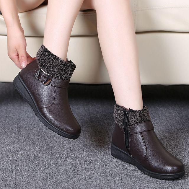 26961f79c5 Mulheres Botas de Inverno Quente Sapatos de Neve Ankle Boots Femininas de  Couro Austrália Palmilha De Pelúcia À Prova D  Água Cinta Fivela Botas Mujer