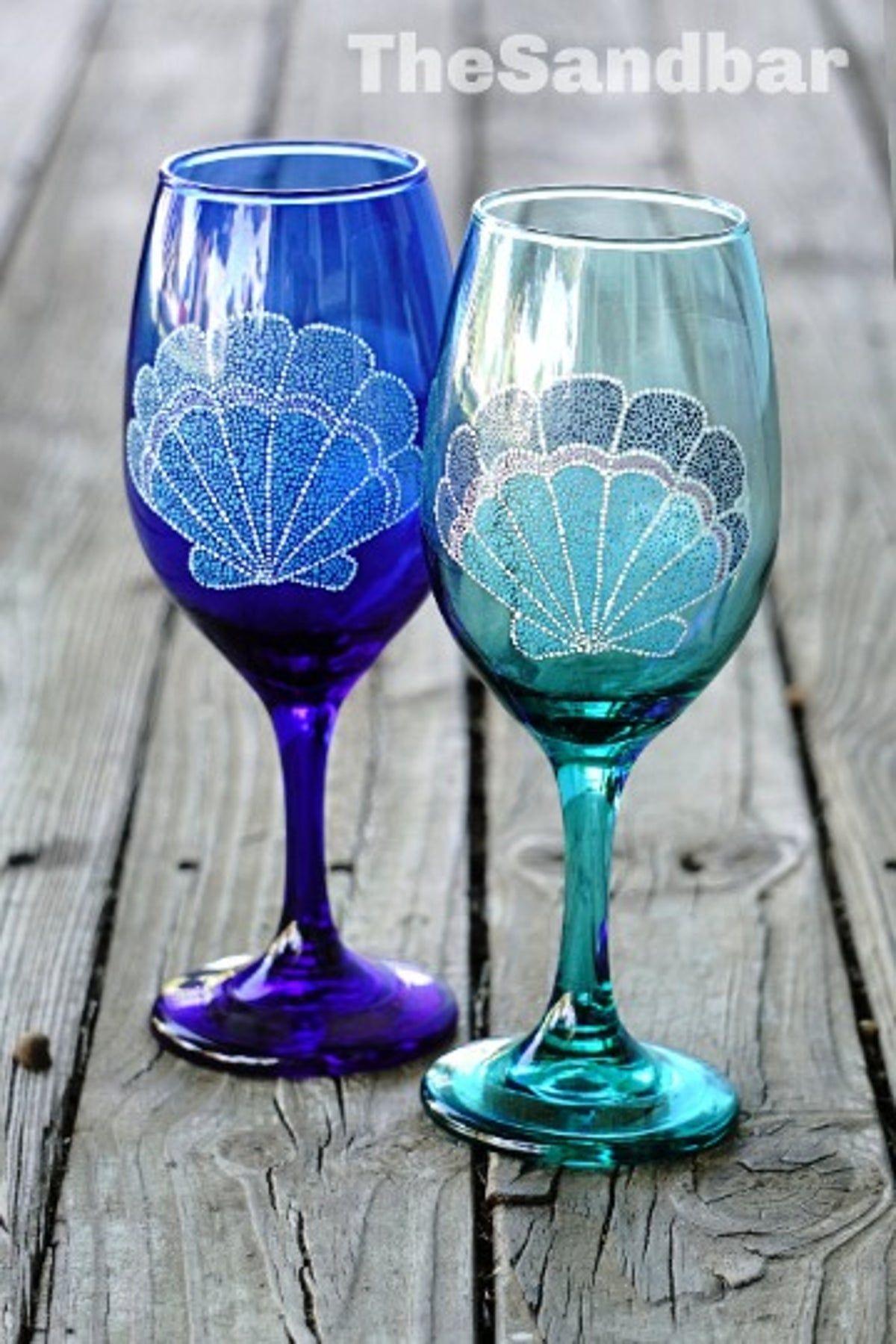 Set of 2 Wine Seashell Glasses