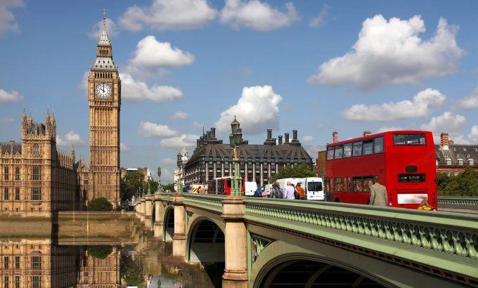 Londen: Een stedentrip naar Londen kan natuurlijk niet zonder een bezoek aan de wereldbekende brug de Tower Bridge en de beroemde klokkentoren de Big Ben van het Palace of Westminster.