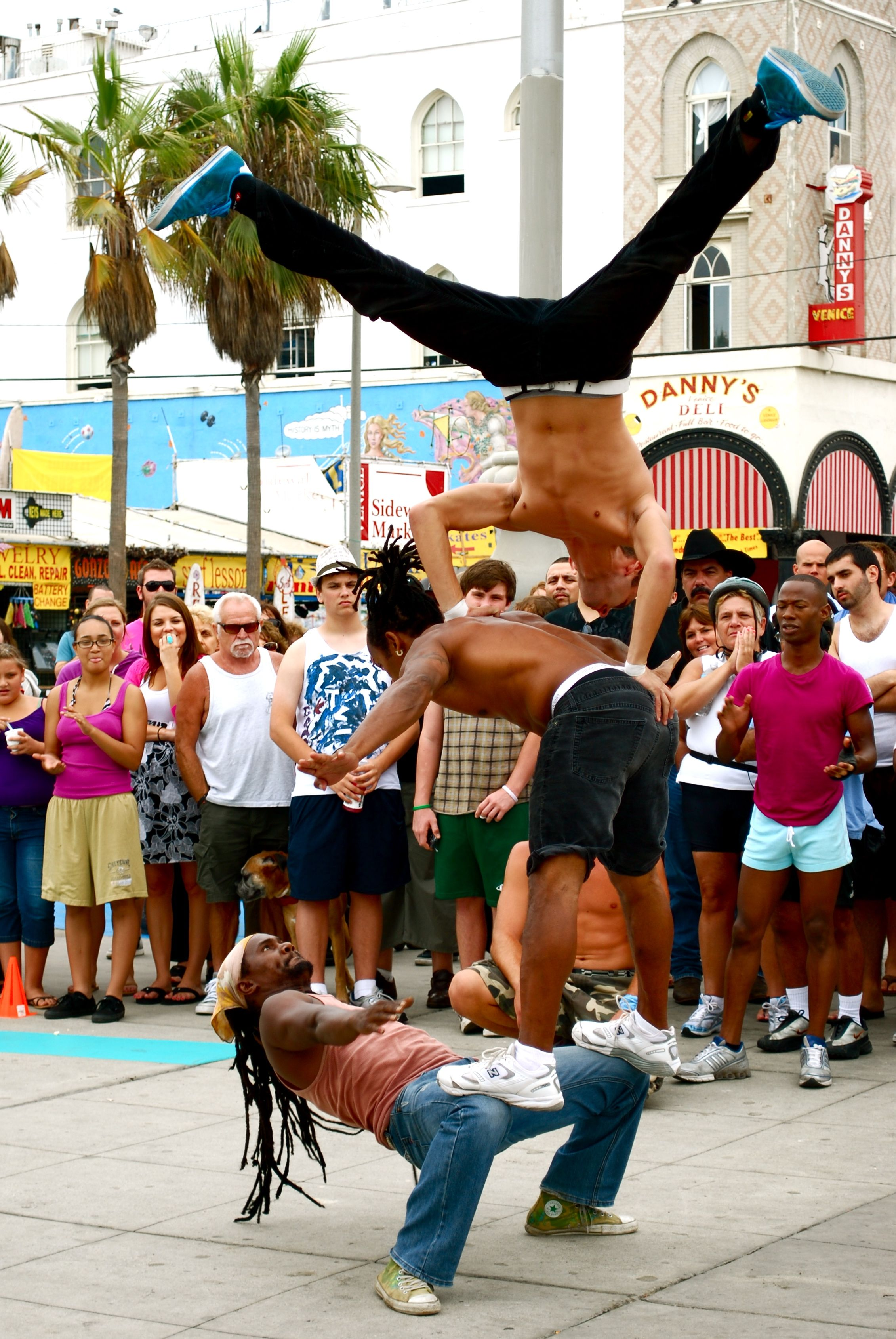 These Guys Were Pretty Awesome Raven And I Saw Them When We Visited Before The Move Street Performers Venice California