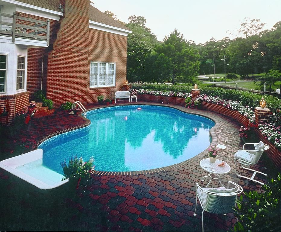 Kidney shaped pool cute for Kidney shaped pool designs
