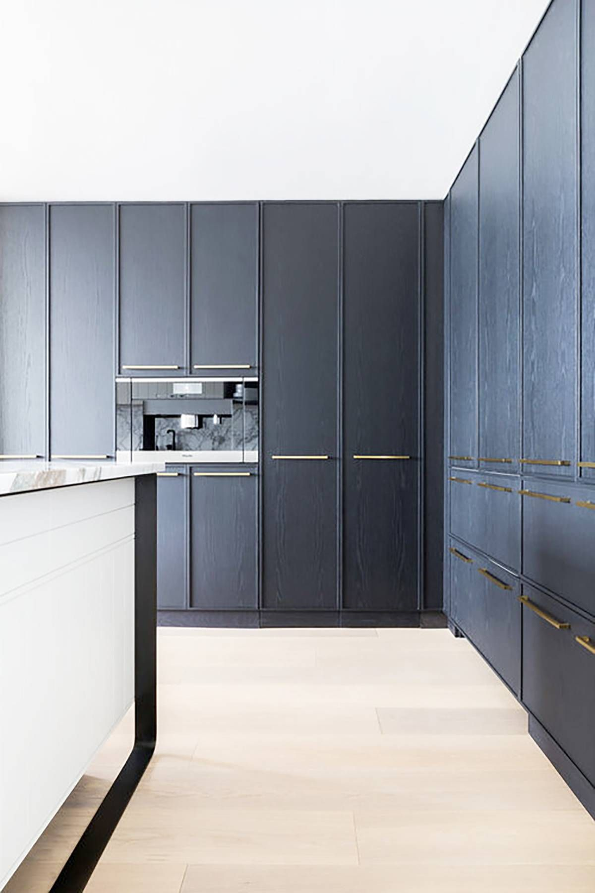 12 Modern Kitchen Ideas To Give Your Space A New Lease On Life Kitchen Trends Kitchen Design Kitchen Renovation