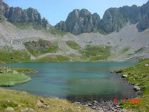 Ibon De Acherito Valle De Hecho Huesca Parques Nacionales De España Lugares De España Valle De Hecho