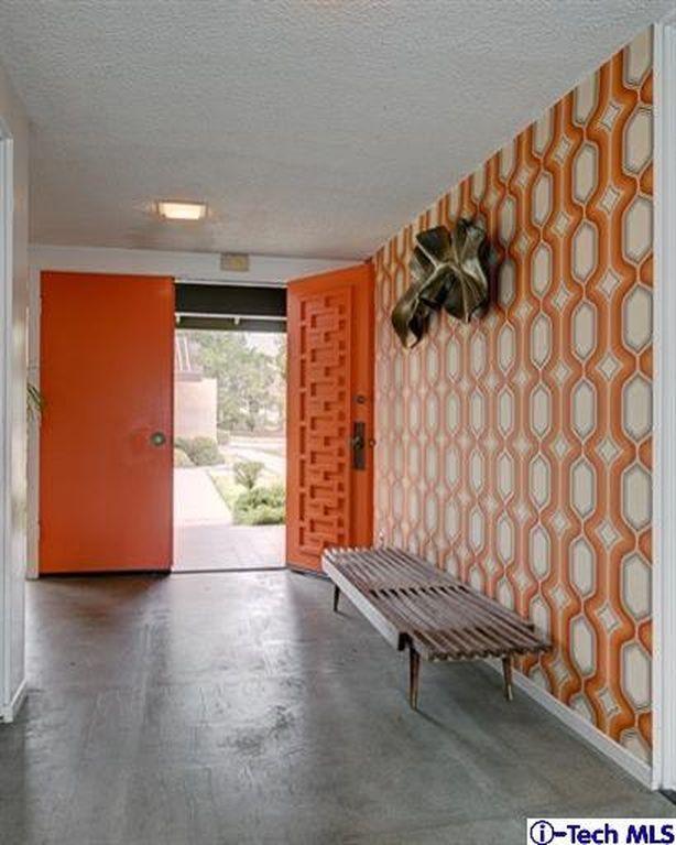 Garage Door Landscaping Ideas: 2780 Thorndike Rd, Pasadena, CA 91107