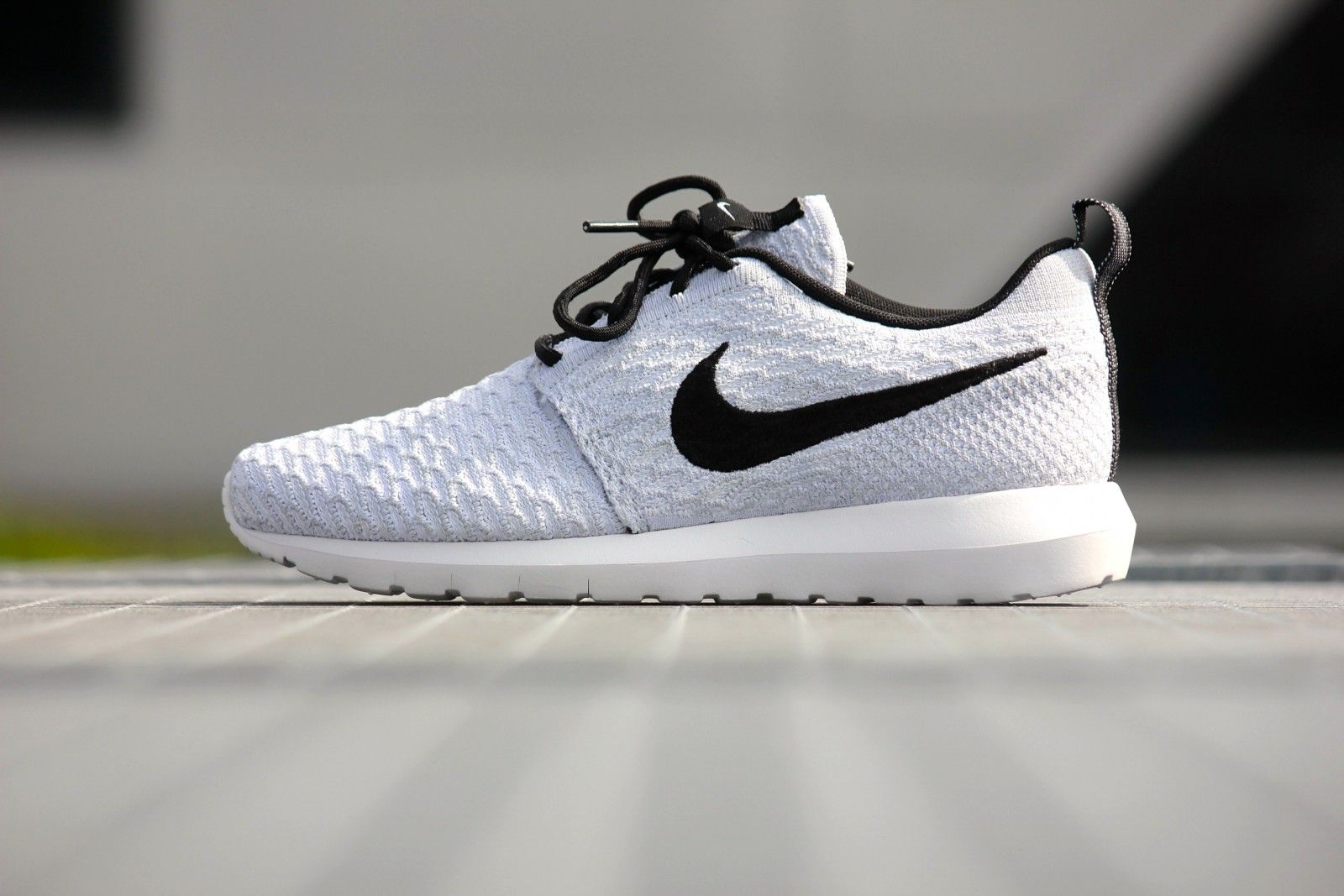 nike roshe run flyknit black/dark grey/white painted