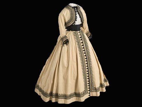 ROBES IMPERATRICE EUGENIE - Un Certain regard....   Idées vestimentaires,  Costumes d'époque, Robe victorienne