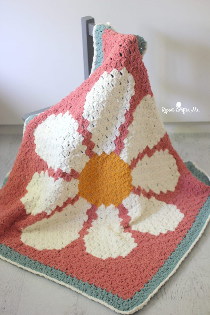 Crochet Daisy C2C Blanket with Bernat Blanket Tiny | Mantas ...
