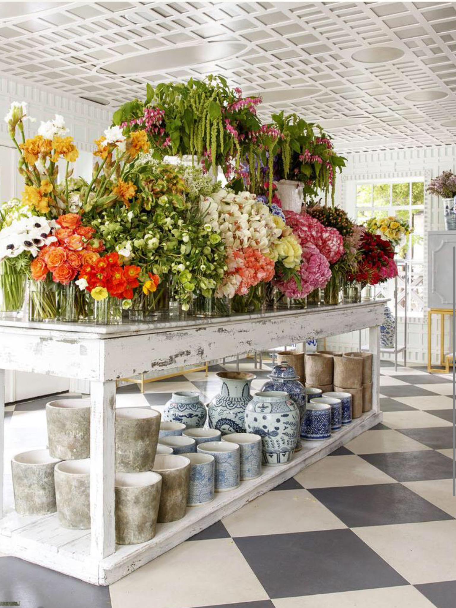Love this Flower shop! Flower shop design, Flower shop