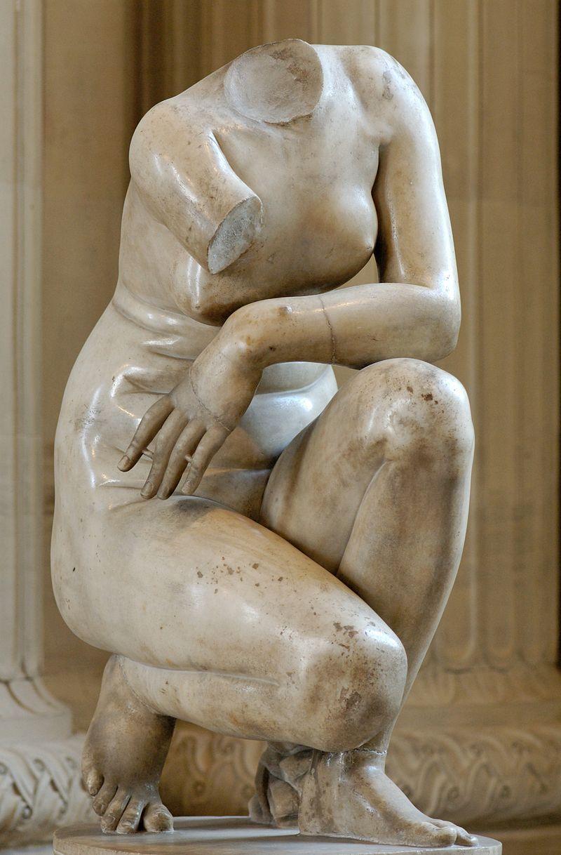 Doidalsa, Afrodite accovacciata, copia romana da originale ellenistico (250 a.c.), versione Louvre #greekstatue