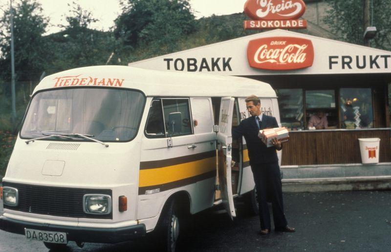 Varetransport i Tiedemanns varebil