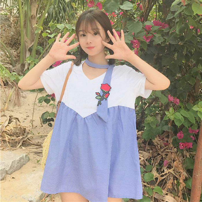 """Kawaii Fashion Shop T-Shirt on The Demon's Chest.2017 Summer Rose Contrast T-Shirt Patchwork V-Neck Blouse Dc332 is every lady's MUST-HAVE ! Stylish and Comfortable! You'll be the """"it"""" girl at work, parties or just walking down the street!It's great for both day and evening occasions including working, parties, lounging, vacations, or just chilling with friends!"""