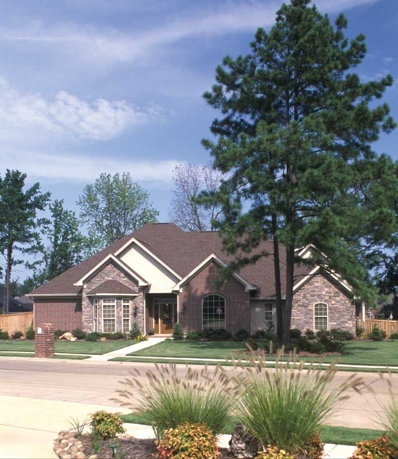 Traditional House Plan 055S-0011 | House Plans and More