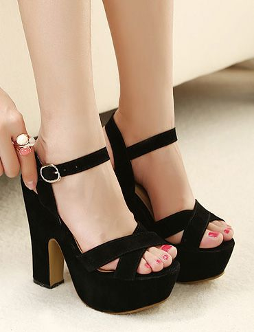 c86a94feebb7a Vintage Cross-Strap Chunky Heel Sandals