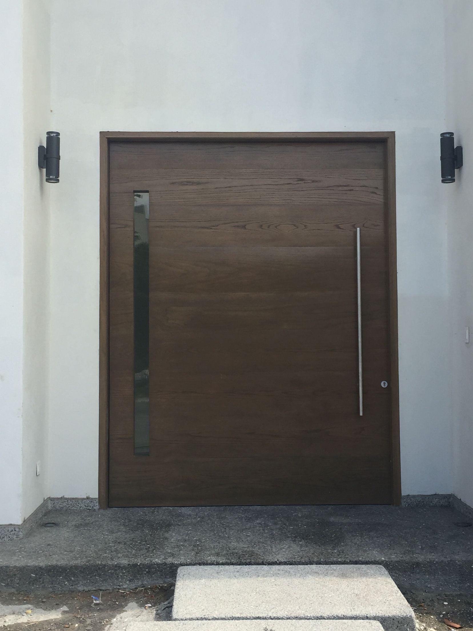 Puerta principal de madera de encino puerta principal for Puertas principales madera