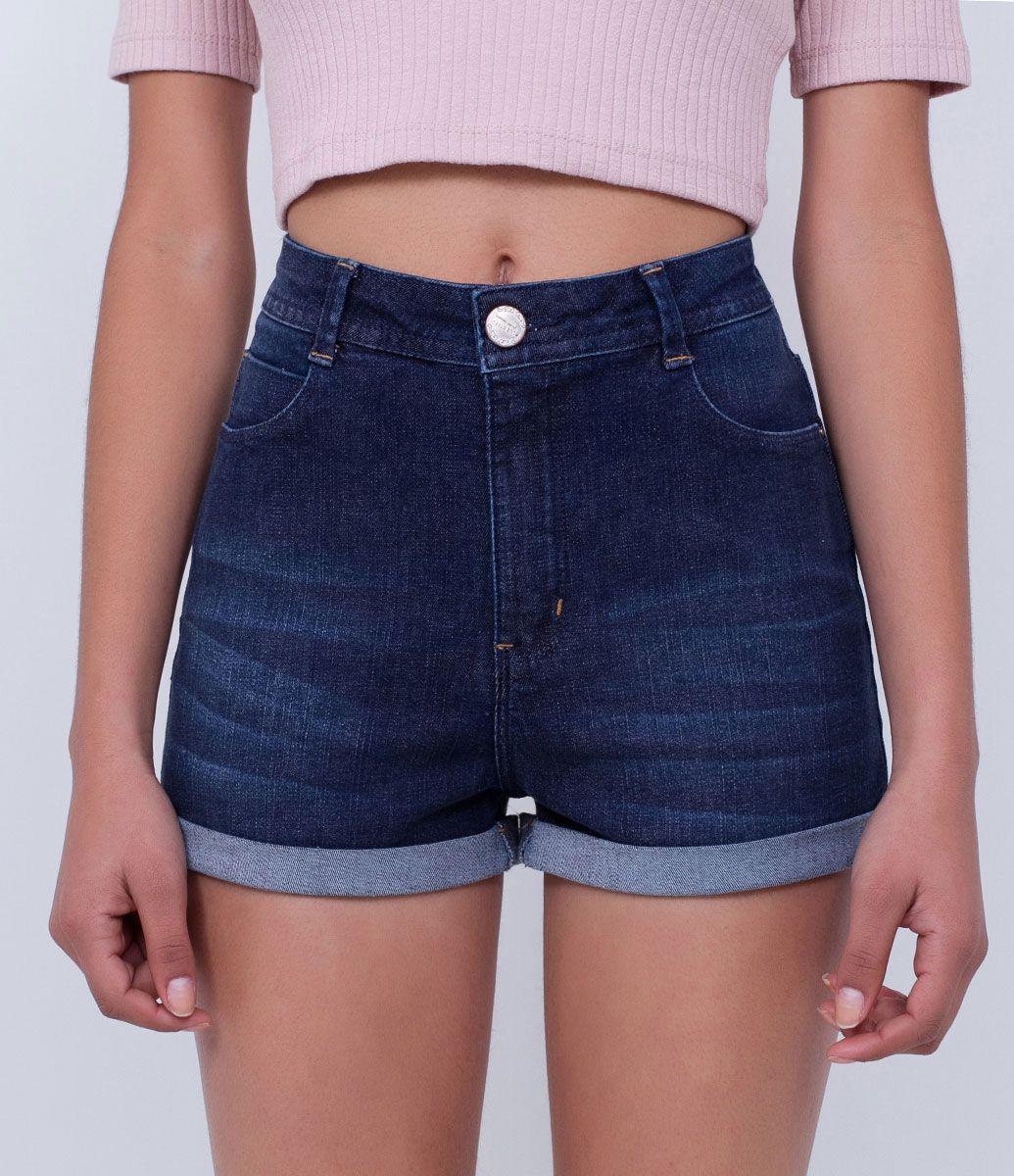 1b80331b0 Short feminino Cintura alta Com efeito used Marca: Blue Steel Tecido: jeans  Composição: 98% algodão e 2% elastano Modelo veste tamanho: 36 COLEÇÃO  INVERNO ...