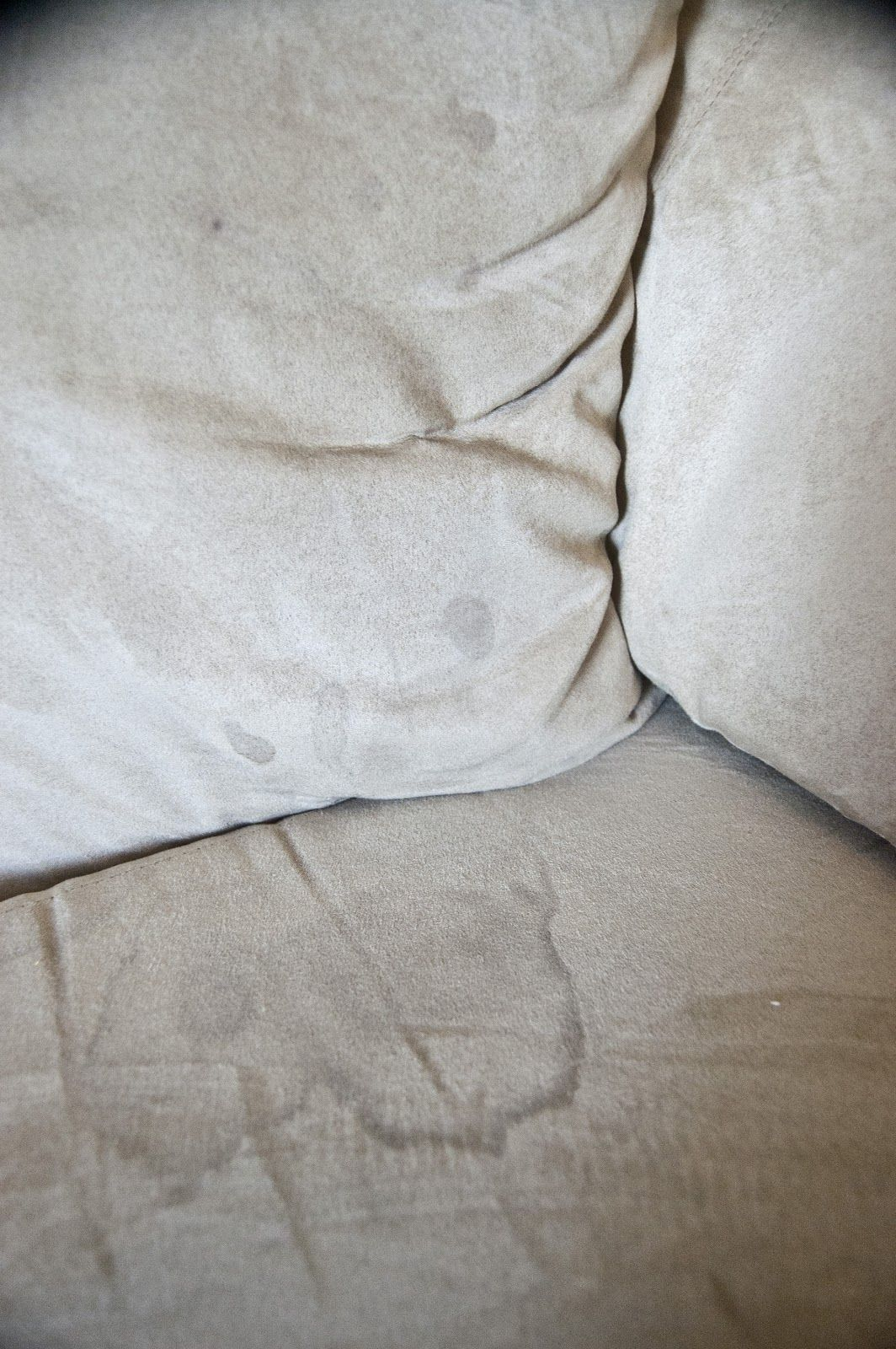 How to clean a microfiber couch safely