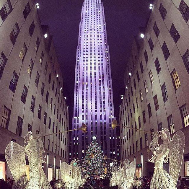 NYC Christmas at Rockefeller Center by @bettywu1991 #FareCompare #theWorldGuru