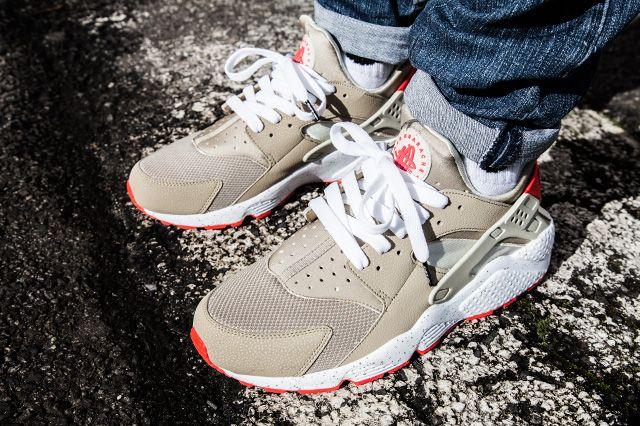 Nike Air Huarache Light Beige Laser Crimson Sneaker Freaker Nike Free Run Nike Air Huarache Nike