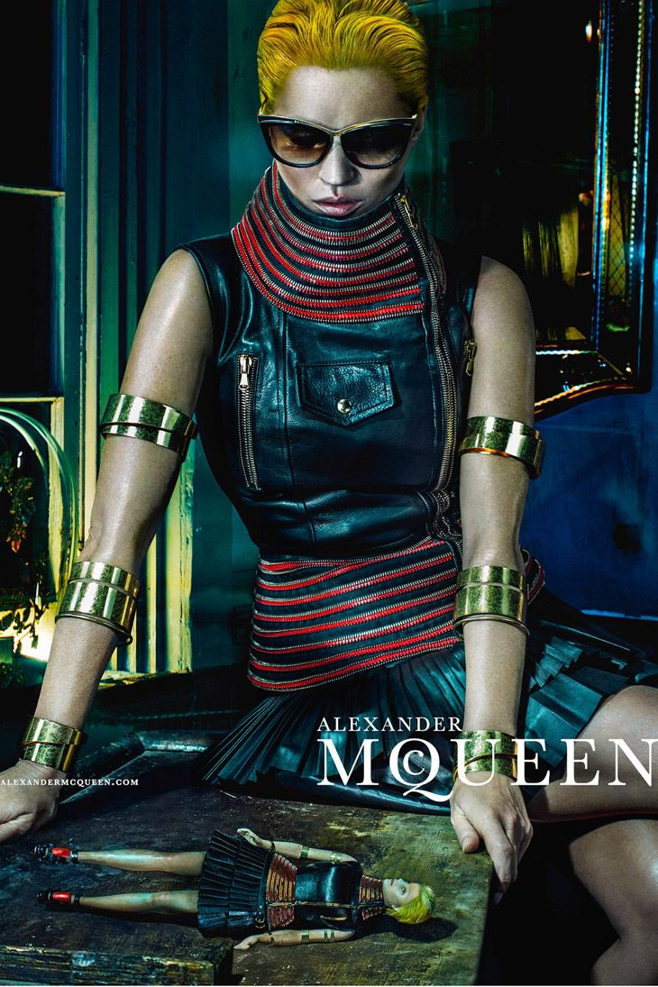 Kate Moss Fronts Alexander McQueen SS14 Campaign foto