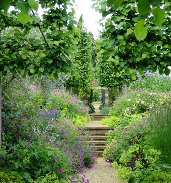European Garden Travels With Carolyn Garden Planning European Garden Beautiful Gardens