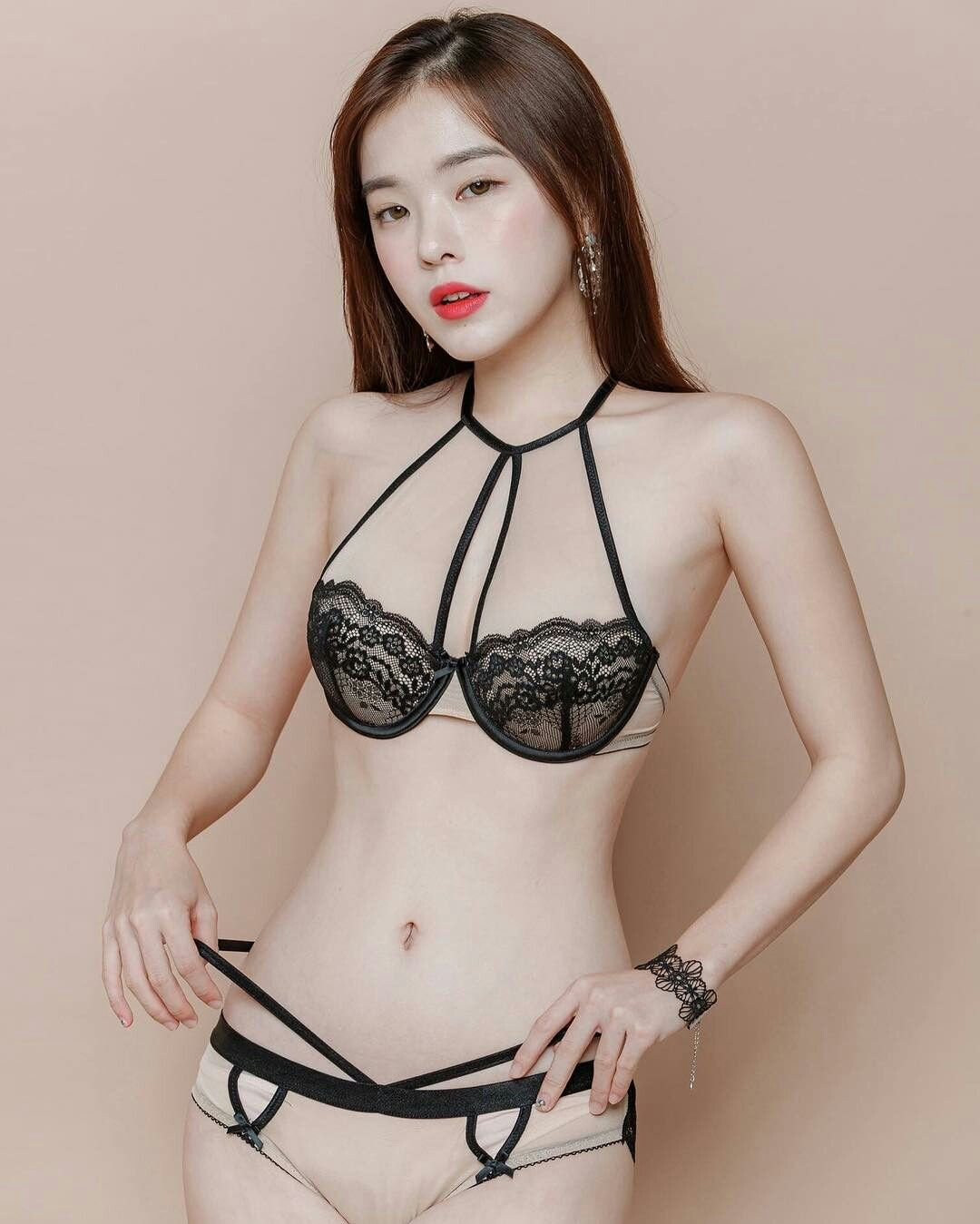 Jun hyoseong south korea female