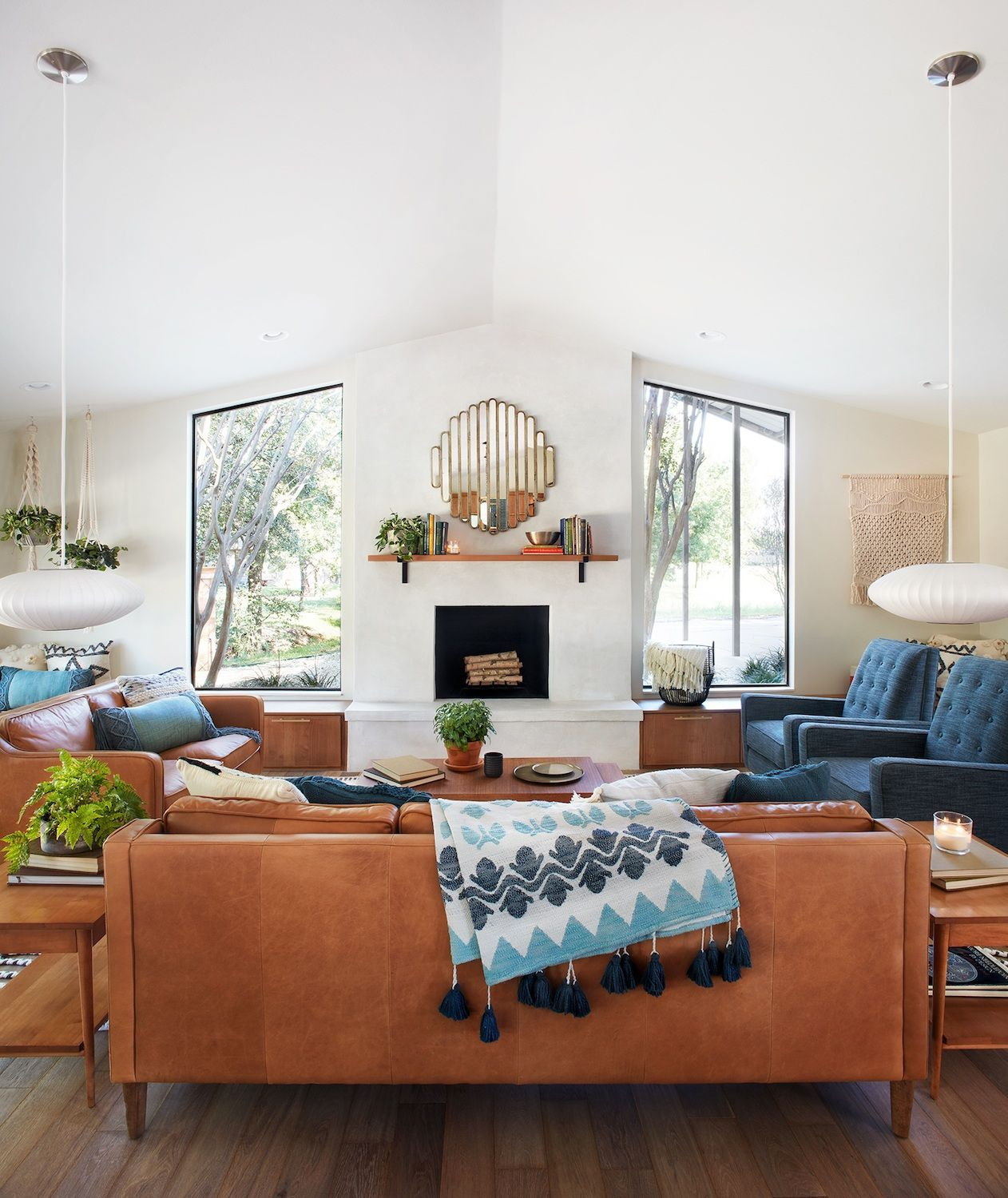 Mid-century living room from episode 6 of the 5th season of Fixer ...