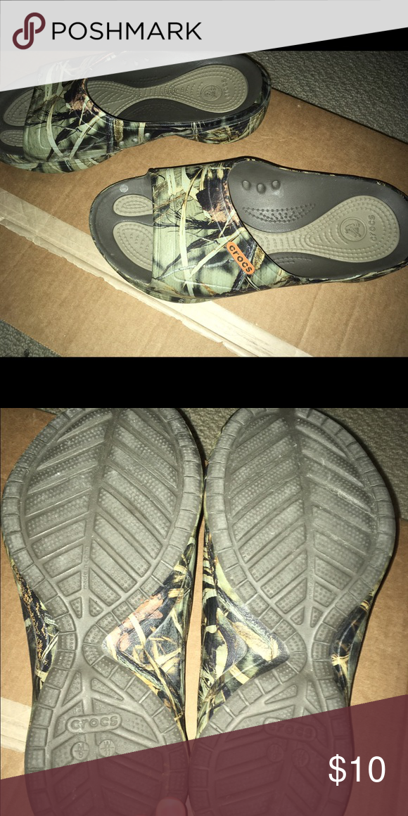 18fc8841d97f2 ☄️Last Sale🔥Men s Women s crocs Slide on Crocs brand max 4 camo slide on  sandals. Great condition wrong size for my husband so I tried to wear them  but ...