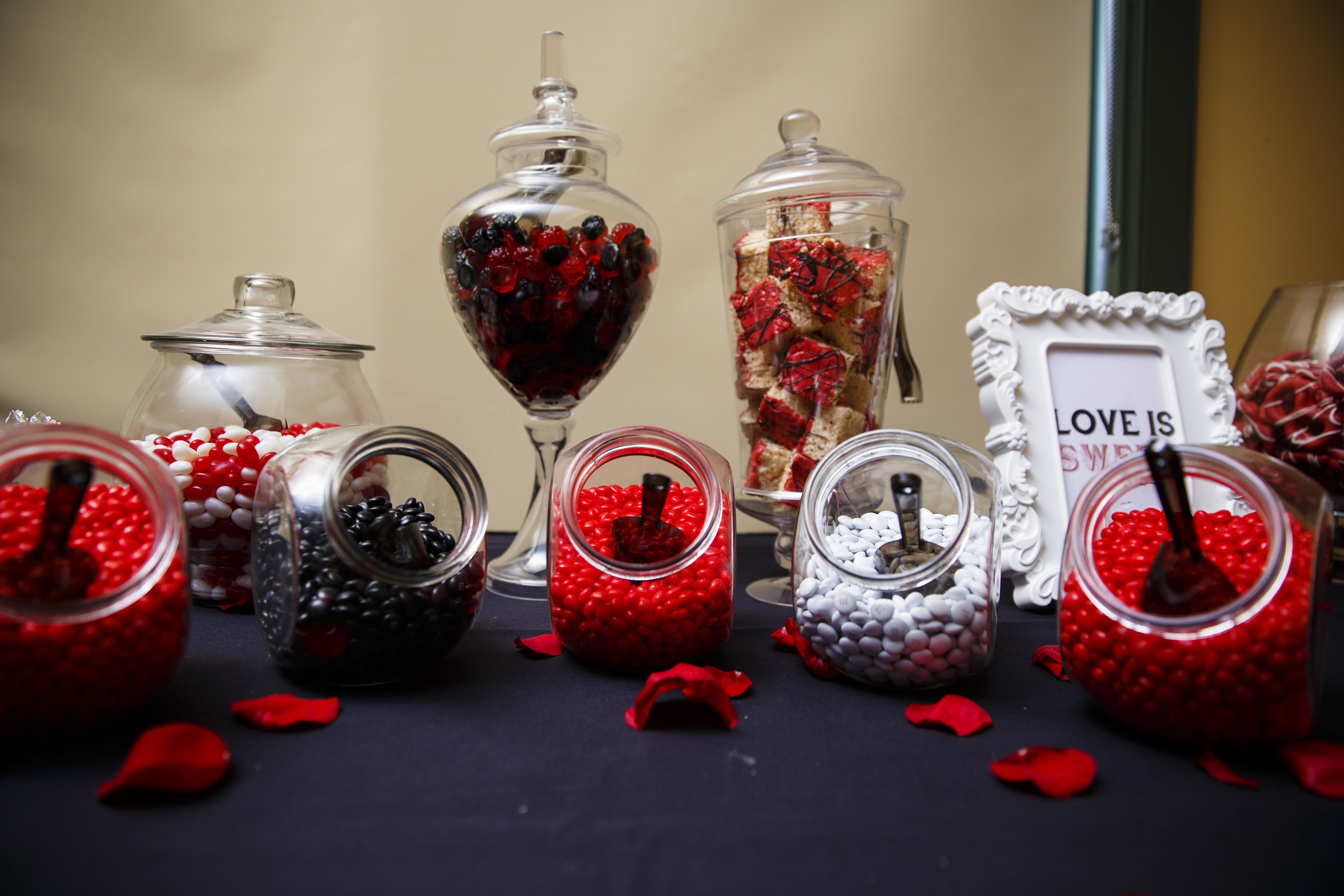 Red Black And White Candy Dessert Table White Candy Table Black Candy Buffet White Wedding Decorations