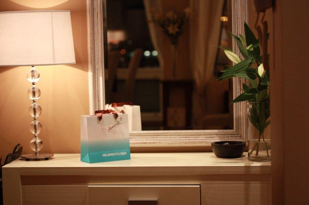 Details. Lamp from the Finnish shop Pentik. Beautiful big mirror.