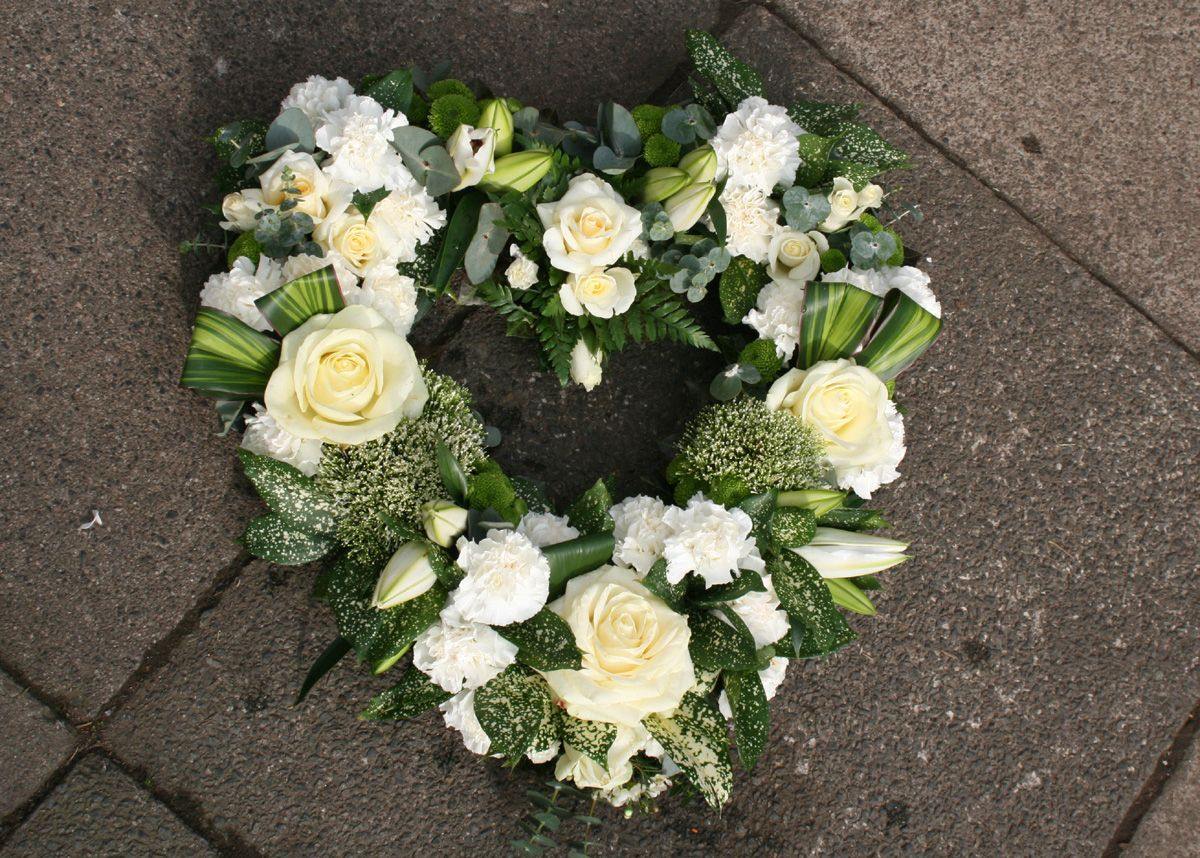 Funeral wreaths google search funeral flowers pinterest funeral wreaths google search funeral flowerswreaths izmirmasajfo Images